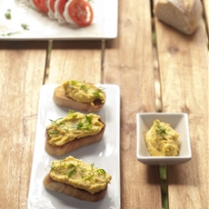 Spicy Avocado Crostini