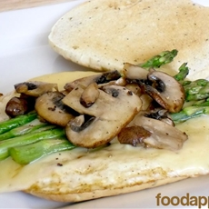 Asparagus, Mushroom, and Swiss Egg White Sandwich (Einstein Bros Copy)