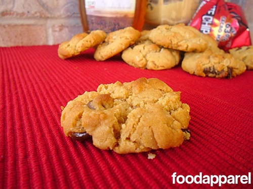 Peanut Butter and Honey Chocolate Chip Cookies