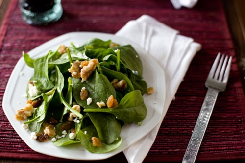 Spinach Salad Recipe with Feta and Walnuts