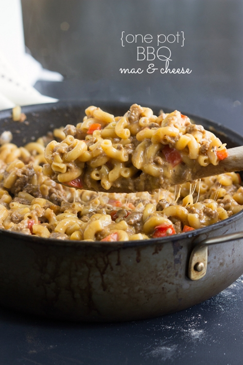 {One Pot} BBQ Cheesy Pasta