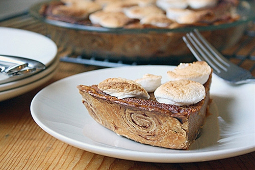 Sweet Potato Pie with Cinnamon Roll Crust