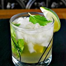 Sparkling Mojito Lime Rickies #BrunchWeek
