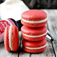 Red Velvet Cake Macaron