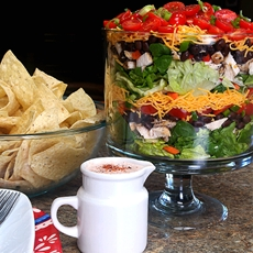 Layered Southwest Salad, a Simple and Complete Meal in One Bowl