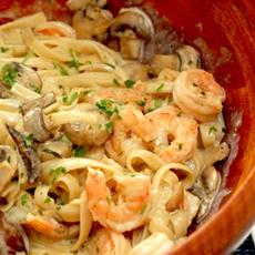 Creamy Shrimp and Mushroom Pasta