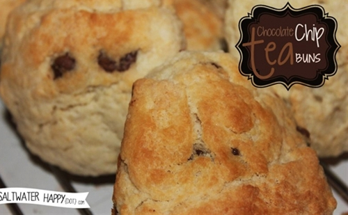 Chocolate chip tea buns