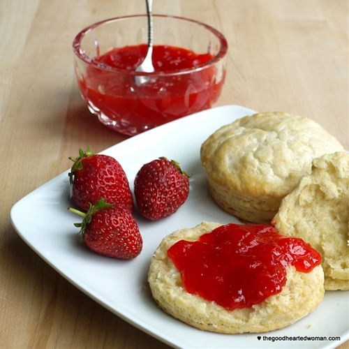 Strawberry Freezer Jam {Tutorial}