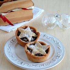 Cinnamon-chocolate fruit mince tarts