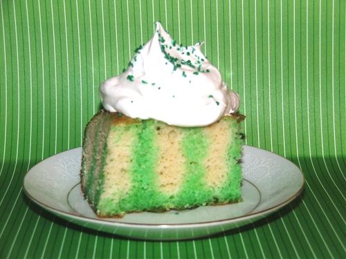 St. patricks's day poke cake