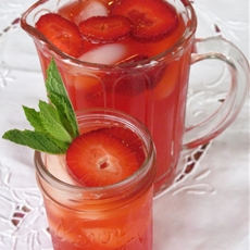 Homemade Strawberry Lemonade Recipe