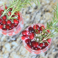 Holly Berry Spritzer