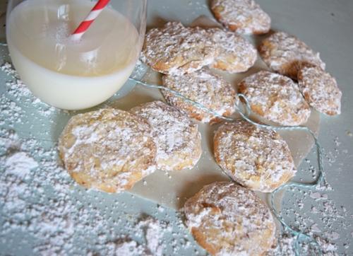 Butter Almond Snowball Christmas Cookies