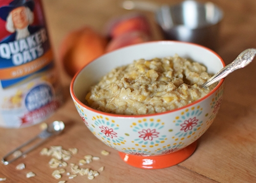 How to Make Homemade Peaches and Cream Oatmeal