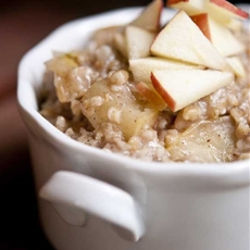Clean Eating Apple Pie Oatmeal