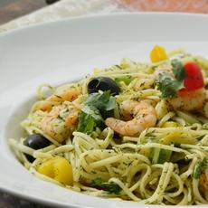 Spaghetti with shrimps & vegetables (Spaghetti mit Garnelen)