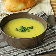Potato Cheese cream Soup. Kartoffeln-Käse-Creme Suppe