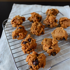 Pumpkin chocolate chip cookies (healthier)