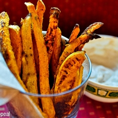 Spicy sweet potato fries with cinnamon sugar dip