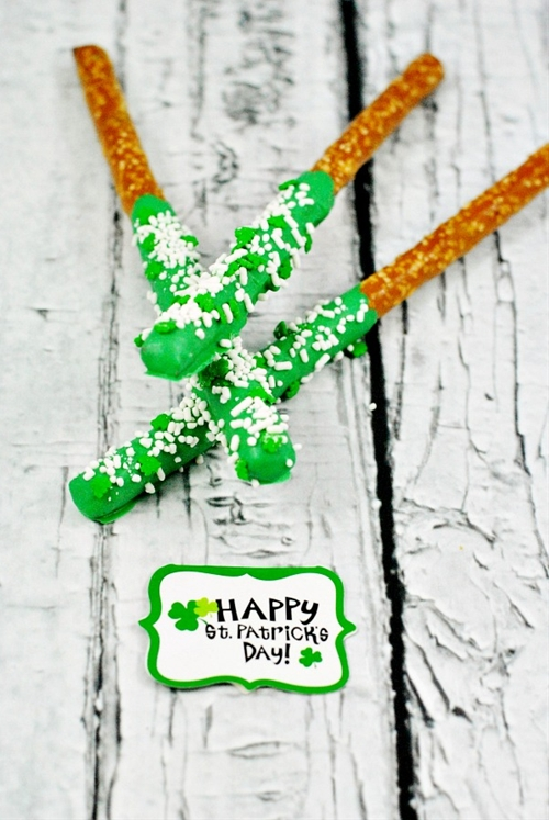 St. Patricks Day Pretzel Rods