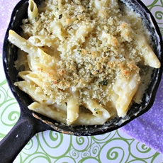 Skillet Baked Mac and Cheese #Lenten