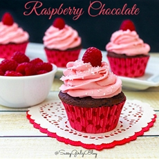 Chocolate Raspberry Cupcakes With Raspberry Buttercream
