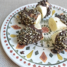 Healthy Snack Ideas: Chocolate Covered Bananas with Toasted Hemp Seeds