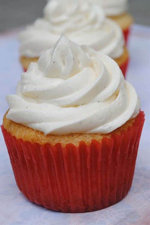 Vanilla Bean Buttermilk Cupcakes with Best Ever Vanilla ...
